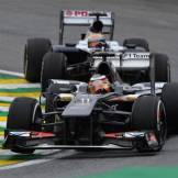 Nico Hülkenberg (Sauber F1 Team, C32) and Pastor Maldonado (Williams F1 Team, FW35)