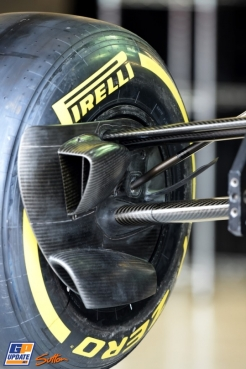 A Pirelli P Zero Tyre on a F1 Car