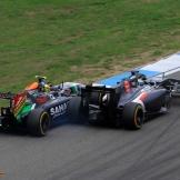 Adrian Sutil (Sauber F1 Team, C33) and Sergio Peréz (Force India F1 Team, VJM07)