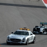 Nico Rosberg (Mercedes AMG F1 Team, F1 W05) behind The Safety Car