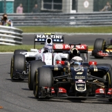 Romain Grosjean (Lotus F1 Team, E23 Hybrid) and Valtteri Bottas (Williams F1 Team, FW37)