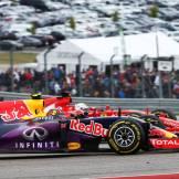 Daniil Kvyat (Red Bull Racing, RB11) and Sebastian Vettel (Scuderia Ferrari, SF15-T)