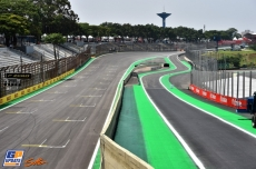 The Main Straight and the Entranced to the Pits