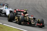 Pastor Maldonado (Lotus F1 Team, E23 Hybrid) and Felipe Massa (Williams F1 Team, FW37)