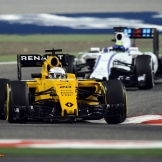 Kevin Magnussen (Renault F1 Team, RS16) and Felipe Massa (Wiliams F1 Team, FW38)