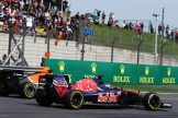 Max Verstappen (Scuderia Toro Rosso, STR11) and Pascal Wehrlein (Manor Racing Team, MRT05)