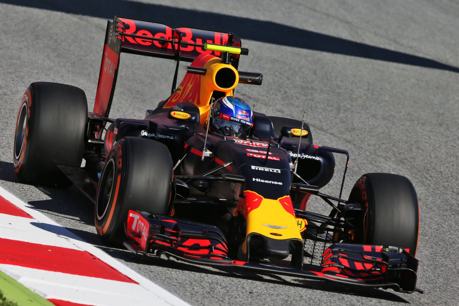 f1 racing Christian horner does not expect sebastien buemi to return to racing in formula 1 despite the red bull reserve driver appearing to be a strong candidate for toro rosso.