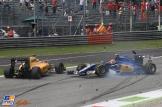 Kevin Magnussen (Renault F1 Team, RS16) and Felipe Nasr (Sauber F1 Team, C35)
