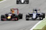 Max Verstappen (Red Bull Racing, RB12) and Marcus Ericsson (Sauber F1 Team, C35)