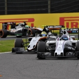 Valtteri Bottas (Williams F1 Team, FW38) and Sergio Pérez (Force India F1 Team, VJM09)