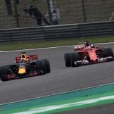 Daniel Ricciardo (Red Bull Racing, RB13) and Sebastian Vettel (Scuderia Ferrari, SF70-H)