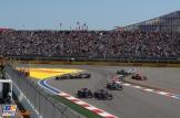 Romain Grosjean (Haas F1 Team, VF17) and Jolyon Palmer (Renault F1 Team, RS17)