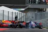 Max Verstappen (Red Bull Racing, RB13), Fernando Alonso (McLaren Honda, MCL32) and Daniil Kvyat (Scuderia Toro Rosso, STR12)