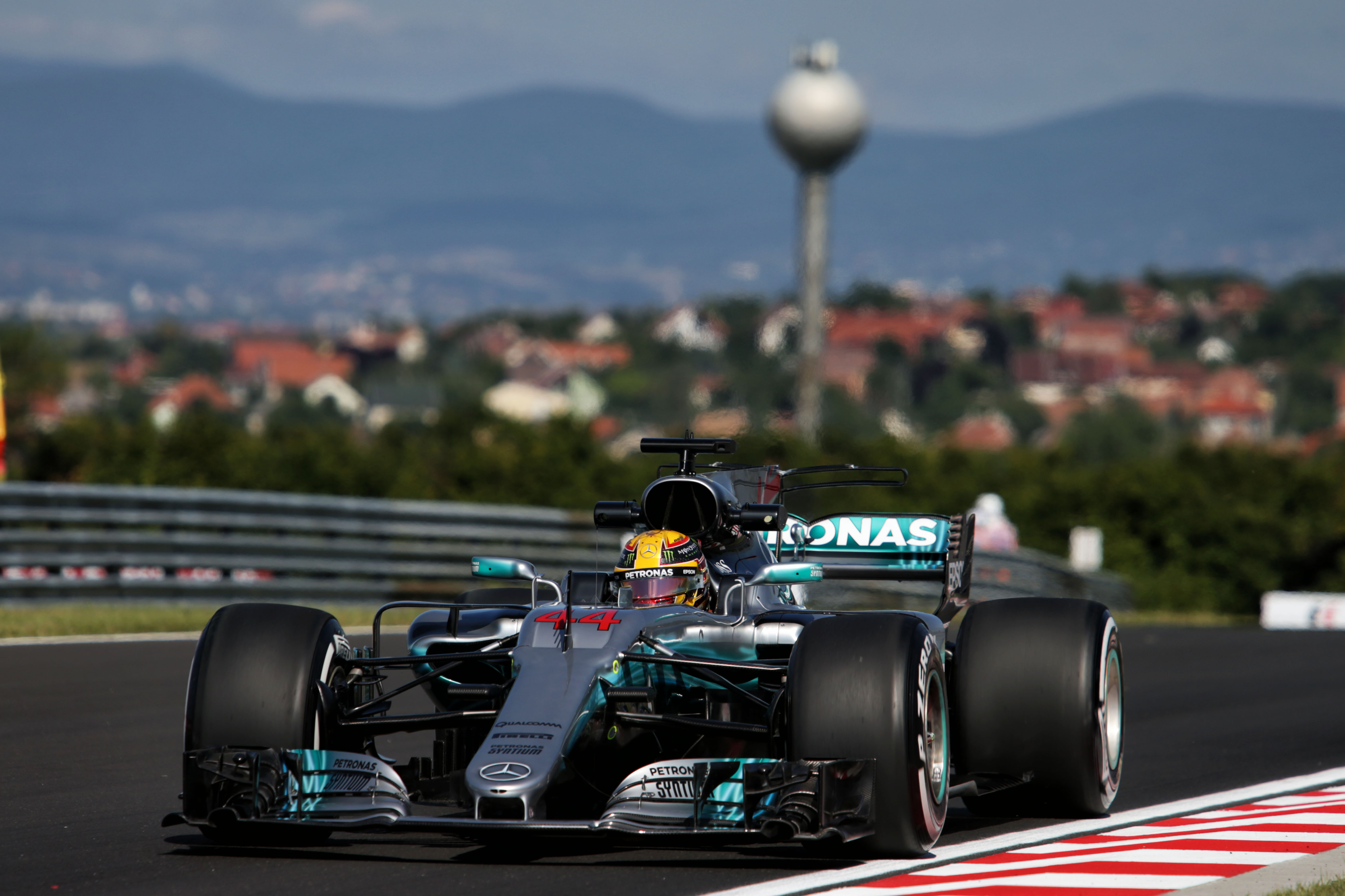 Mercedes amg petronas w08 wallpaper 7