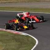 Max Verstappen (Red Bull Racing, RB13) and Kimi Räikkönen (Scuderia Ferrari, SF70-H)