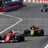 Kimi Räikkönen (Scuderia Ferrari, SF70-H) and Nico Hülkenberg (Renault F1 Team, RS17)