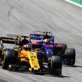 Nico Hülkenberg (Renault F1 Team, RS17) and Pierra Gasly (Scuderia Toro Rosso, STR12)