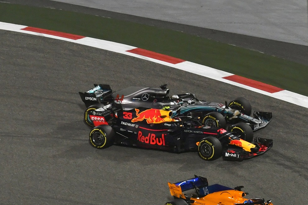 Max Verstappen (Red Bull Racing, RB14) and Lewis Hamilton (Mercedes AMG F1 Team, F1 W09 EQ Power)