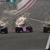 Lewis Hamilton (Mercedes AMG F1 Team, F1 W09 EQ Power) overtakes Esteban Ocon (Force India F1 Team, VJM11) and Nico Hülkenberg (Renault F1 Team, RS18)