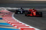 Kimi Räikkönen (Scuderia Ferrari, SF71H) and Lewis Hamilton (Mercedes AMG F1 Team, F1 W09 EQ Power)