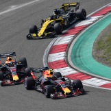 Max Verstappen and Daniel Ricciardo (Red Bull Racing, RB14) and Nico Hülkenberg (Renault F1 Team, RS18)