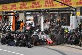 Pit Stop for Romain Grosjean (Haas F1 Team, VF18)
