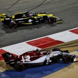 Kimi Räikkönen (Alfa Romeo F1 Team, C38) and Daniel Ricciardo (Renault F1 Team, R.S.19)