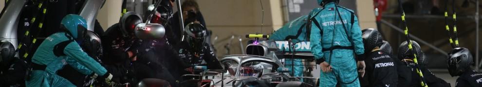 Pit Stop for Valtteri Bottas, Mercedes AMG F1 Team, F1 W10